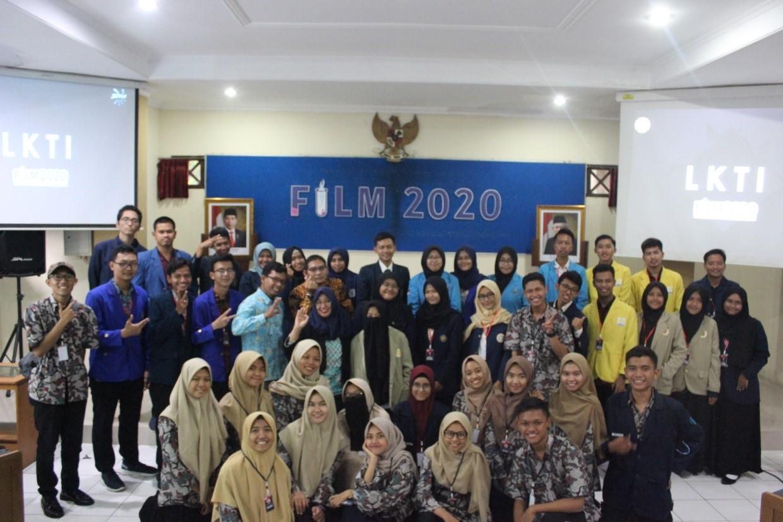 Read more about the article MITI KM Mendelegasikan Jejaringnya Sebagai Juri Essay dan LKTIN FILM SIM UNS